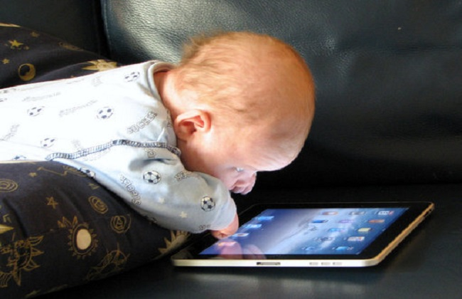 copiii si dispozitivele